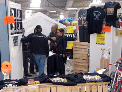 Le stand du Rhino Blitz Racing Team aux Puces de Niort 2006